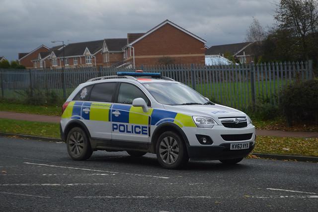 airport police northumbria vauxhall unit antara kv63vyx