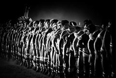 Yawalapiti (guiraud_serge) Tags: brazil portrait brasil amazon tribes indians tribe indios ethnic rituel plumes brsil tribu amazonie indiens tribus kuarup ethnie yawalapiti guiraud minoritsethniques sergeguiraud plumaserie ornementscorporelspeinturescorporelles