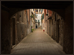 Venice, away from the crowd (Ciao Anita!) Tags: venice friends italy alley italia ve hm vicolo venezia unescoworldheritage steegje itali dorsoduro veneto veneti bellitalia theperfectphotographer unescowerelderfgoedlijst unescopatrimoniodellumanit