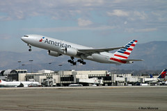 American Airlines, Boeing 777-200ER (Ron Monroe) Tags: boeing lax airlines americanairlines 777 airliners klax n799an