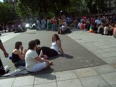 2917314150103155112YblQkG_fs (Zappacity) Tags: girls teens barefoot dirtyfeet filthysoles sitting crosslegged pavement plaza square socks paris france