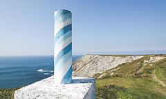 3044 (saul gm) Tags: landscape lighthouse cliff cliffs acantilado mar sea ocean trigpoint vérticegeodésico