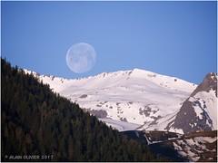 La Lune sur Saint-Sorlin