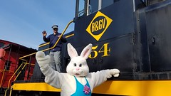 The Easter Bunny rides the rails! (Rochester & Genesee Valley Railroad Museum) Tags: easterbunny eastertrain railroad train museum rochester newyork diesel