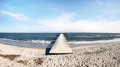 Wide angle : Beddingestrand, Skåne, Sweden (Tankartartid) Tags: beddingestrand sverige sweden skåne clouds bluesky sky nature spring instagram iphone iphone7 beach water jetty sea wideangle instagramapp square squareformat iphoneography