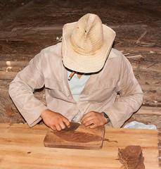 02 Making a cigar - cut out the central vein (phillipbonsai) Tags: cuba cigar tobacco pinardelrio
