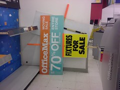 Live person signs - entire store is NOT 70% off! (l_dawg2000) Tags: retail vintage mississippi ms closing clearance 90s officesupplies officemax hornlake officesupplystore