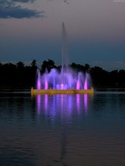 "Prismatic Electric Fountain in Ferril Lake in violet • <a style=""font-size:0.8em;"" href=""http://www.flickr.com/photos/34843984@N07/15358327169/"" target=""_blank"">View on Flickr</a>"