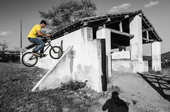 Climb to Fakie Nose Manual (Hlder Santana) Tags: light shadow brazil blackandwhite bw sunlight white black luz bike branco brasil rural cutout nose climb daylight nikon bmx day place natural zoom farm interior gray wide fake naturallight stall sombra pb dia preto tokina figueiras santana 28 trick manual 20 pe stable cinza pretoebranco f28 lugar pernambuco fazenda selectivecolor 0101 2014 manobra bmxer 1116 cocheira luznatural estbulo corseletiva passira estabulo d7k d7000 tokina116 tokina1116mm tokina1116 tokina1116f28atxpro tokina1116mmf28atx116prodx tokina1116f28atx116prodx heldersantana nikond7000 hldersantana abnersantana bnersantana