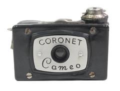 f_coronet_cameo (ricksoloway) Tags: toycameras photohistory vintagecameras classiccameras antiquecameras bakelitecameras noveltycameras