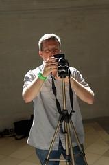 being photographed III (DaLi-A) Tags: portrait people fotograf leute photographer pentax saxony leipzig sachsen flickrmeetup flickrtreffen k30 pentaxlife