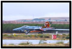 Aire 75 (Larios252) Tags: en canon de eos la is day c 15 el zaragoza ala l hornet 75 aire base con area 1541 motivo torrejn spotter 100400 50d 1528 ef18