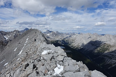 Putnik's ridge (*Andrea B) Tags: autumn summer mountain mountains fall kananaskis rockies rocky september mount alberta summit rockymountains scramble scrambling kananaskiscountry 2014 kananaskislakes putnik kananaskislake kananaskisvalley summer2014 september2014 mountputnik