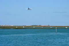 Plane landing at Faro Airport (annamaart) Tags: sea portugal water airplane faro algarve vatten hav flygplan