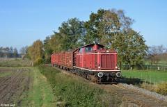 Emsländische Eisenbahn 211 012, Bokeloh, 28-10-2014 10:40 (Derquinho) Tags: west v100 eisenbahn holz 012 212 211 haselünne meppen eebemsländische