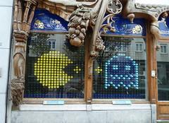 Antwerp Belgium The Big Window Walk (rogerpb) Tags: city graffiti shops drawing antwerpen anvers belgium belgië belgique shopwindowdisplay antwerp amberes art kunst belgiangraffiti belgianstreetart street streetart thebigwindowwalk shopwindowdecorations rogerbrosius panasoniclumixdmctz8