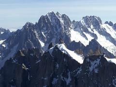 Chamonix-Mont-Blanc, aiguilles Verte et Courtes (Ytierny) Tags: france horizontal montagne altitude glacier neige midi chamonix ville montblanc verte massif hautesavoie sommet valle aiguille courtes nv alpesdunord ytierny