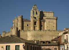 CASTILLO DE TURÉGANO (stavlokratz) Tags: españa castle segovia castelo castello castillo castillaleón turégano arcedianos