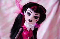 Surprised ? (Dragonella~) Tags: laura monster high nikon doll d5100 monsterhigh draculaura dragonella