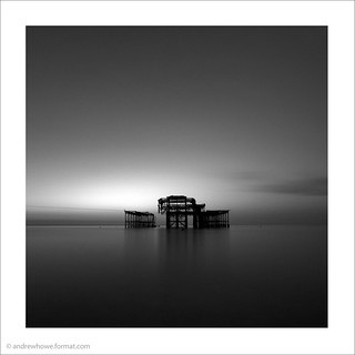 Debout Encore / West Pier, Brighton