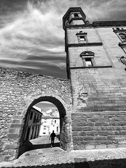 Arco del Barbudo, Baeza, Jaén, Andalucía, Spain (Angel Talansky) Tags: baeza arco arcodelbarbudo turismo jaen andalucia zuiko zuiko7mm 7mm zuiko714mm ultrawide zd714mm