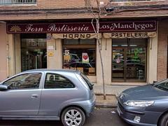 Valencia - Panaderia Los Manchegos (vegan) (syll20) Tags: vegan vegetalien spain espana espagne vegano food valencia valence panaderia manchegos patisseria pasteleria bakery
