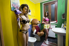 My Bathroom is not Like uour (Eduardo.de) Tags: eduardodevincenzi yamamay intimo completino orso phon bear bathroom giallo yellow verde green canon eos5dmarkiii conceptual concettuale model models girl girls blonde sport fitness