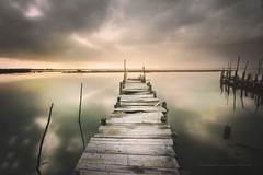 Nadie encuentra su camino sin haberse perdido varias veces (niripla) Tags: portugal carrasqueira pantalan sunset nubes sky cielo reflection reflejo