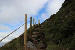Passage obligé. (Diké) Tags: ascension volcan oeuvre horizons installation art nature festival été auvergne sancy petit reportage images archives dikée