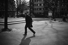 leap (gato-gato-gato) Tags: 35mm ch contax contaxt2 iso400 ilford ls600 noritsu noritsuls600 schweiz strasse street streetphotographer streetphotography streettogs suisse svizzera switzerland t2 zueri zuerich zurigo z¸rich analog analogphotography believeinfilm film filmisnotdead filmphotography flickr gatogatogato gatogatogatoch homedeveloped pointandshoot streetphoto streetpic tobiasgaulkech wwwgatogatogatoch zürich black white schwarz weiss bw blanco negro monochrom monochrome blanc noir strase onthestreets mensch person human pedestrian fussgänger fusgänger passant sviss zwitserland isviçre
