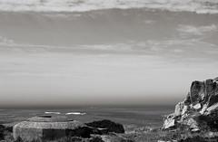 Hexagone (Atreides59) Tags: guerre mondiale world war ww wwii ww2 welt krieg weltkrieg bunker blockhaus blockhouse mur atlantique murdelatlantique atlantic wall atlantik atlantikwall vestige vestiges noir et blanc black white nb bw noiretblanc blackandwhite mer sea eau water jersey anglonormandes iles islands channel ciel sky nuages clouds pentax k30 k 30 pentaxart atreides atreides59 cedriclafrance