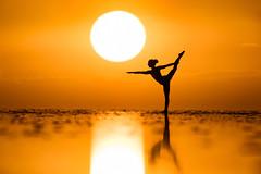 Kim Henry (ericpare) Tags: uyuni salardeuyuni uyunisaltflats kimhenry yoga silhouette sunset