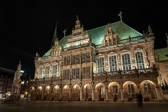 Bremen - Nightshots of Marketplace, Town Hall, Roland, St. Petri Dom and around (snoopsmaus) Tags: bremen deutschland germany hanseatic architecture city night nightphotography