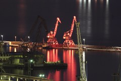 red cranes (njurisa) Tags: night nightphotography cranes red harbour canon