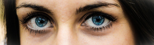 7/365 - Blue eyes by © Axel Naud, on Flickr