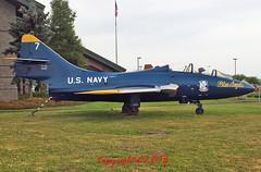 Grumann TF-9J Cougar 146417/7 U.S. Navy (EI-DTG) Tags: oregon evergreen blueangels warbirds cougar coldwar planespotting mcminnville aircraftmuseum grumann aircraftspotting preservedaircraft 21jun2014 evergreenaircraftandspacemuseum grumanncougar 1464717