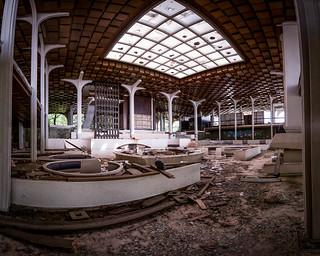 Abandoned Hotel in Krk.jpg