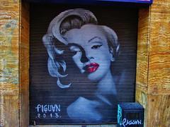 Shop With Graffiti Marilyn Monroe  (Tienda con Graffiti de Marilyn Monroe) (j_santander74) Tags: chile streetart canon graffiti marilynmonroe canonpowershot santiagodechile artecallejero santiagocentro canonpowershota2500