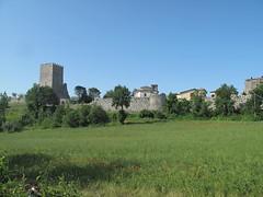Civita Vecchia di Arpino. (sangiopanza2000) Tags: italy panorama tower landscape italia torre prato lazio civitavecchia sangiopanza arpino