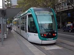 Tram de Barcelona - Citadis Nº 20 y 10 en Francesc Macià (CARLOS123456) Tags: barcelona en de y 10 tram 20 nº francesc macià citadis
