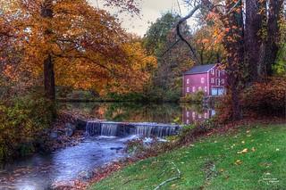 Old Barn Autumn 2014