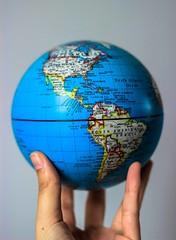 22|52 (Ktaana) Tags: world america canon eos globe hand planet mundo globo eosrebel planeta eosdigital ef50mmf18 terraqueo canon600d ktaana canont3i photographersontumblr