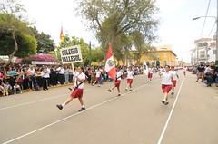 Octubre, 12: Desfile