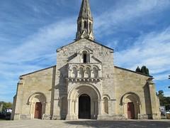 Eglise Saint-Jean-d'Etampes (façade XIe), La Brède (33) (Yvette G.) Tags: architecture 33 église xie aquitaine gironde artroman modillon labrède églisesaintjeandétampes