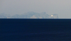 La llum de Cap Formentor / Cap Formentor lighthouse! (SBA73) Tags: light sea mer lighthouse faro noche mar mediterranean mediterraneo nacht away luna moonlight mallorca nuit far phare menorca nit pasoscatalans ciutadella minorca llum moonshine lluna 2014 balearic balears mediterrani capformentor longexposition leuchturm catalancountries