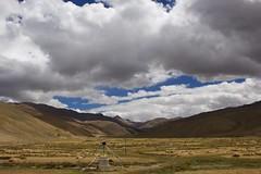 Camino de Nepal / Road to Nepal (Jos Rambaud) Tags: sky mountains clouds landscape cloudy pass paisaje tibet cielo paso nubes himalaya montaa himalayas cloudscape montaas lalungla lalung jugalhimal