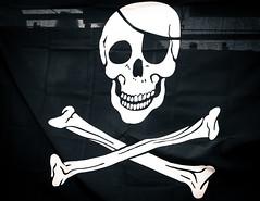 Skull & Crossbones (eskayfoto) Tags: canon eos 700d t5i rebel canon700d canoneos700d rebelt5i canonrebelt5i skull crossbones bones flag poster cloth market rubicon rubiconmarina marinarubicon sk201703047335editlr sk201703047335 lightroom monochrome mono bw blackandwhite