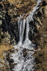 Frozen waterfall (andbog) Tags: sony alpha ilce a6000 sonya6000 emount mirrorless csc sonya landscape paesaggio sonyα sonyalpha italy italia mountain montagna it sony⍺6000 sonyilce6000 sonyalpha6000 ⍺6000 ilce6000 alpi alps natura nature apsc sel oss 55210mm sel55210 winter inverno valledaosta valleaosta gressoneysaintjean gressoney waterfall cascata