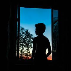 # 13 / 52 Silhouette (Nakinoeil) Tags: 52 silhouette orangeandblue kid air natural light