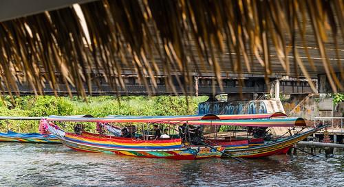 chaophraya bangkok thailand river ship boat tourism
